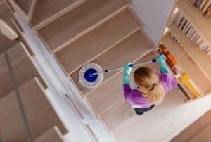 ניקיון חדרי מדרגות כולל פוליש